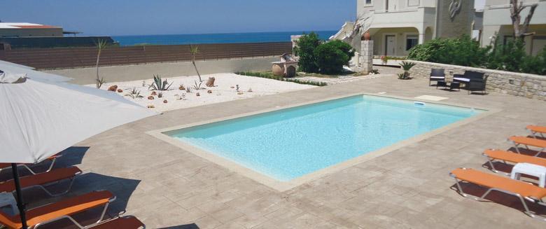 Ολοκληρωμένη κατασκευή πισίνας Almyra Apartments